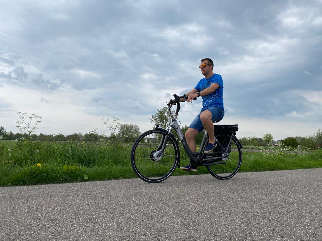 elektrische fietsen huren in giethoorn